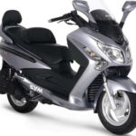 mejores scooters 125 SYM GTS Evo