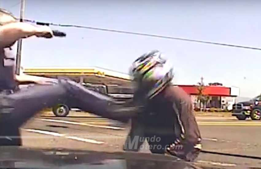 Videos de Motos - Brutal agresión policial a un motorista