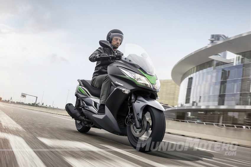 Kawasaki J300 opiniones