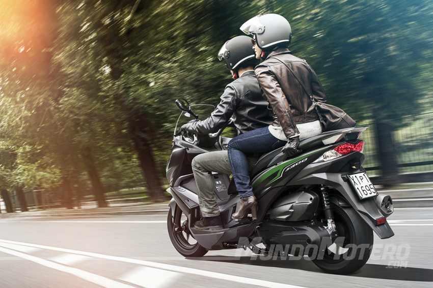 Kawasaki J300 prueba, opiniones y comentarios