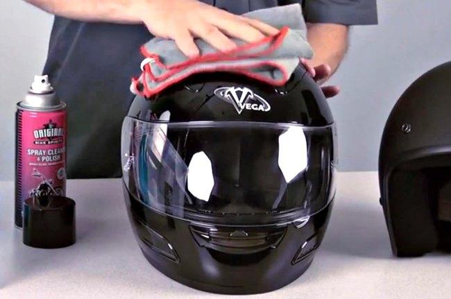 Como limpiar un casco de moto por dentro
