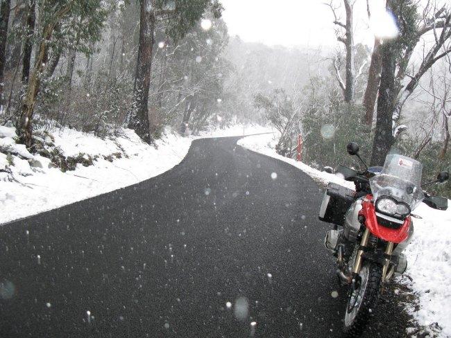 Como vestirse para ir en moto en invierno