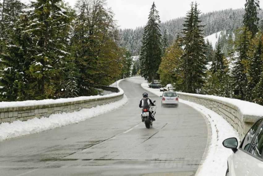 conducir moto invierno