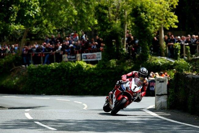 Senior TT 2015 - John McGuinness