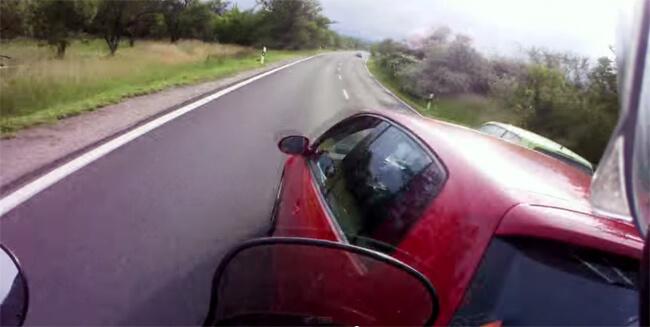 Videos de motos. La importancia de los espejos retrovisores