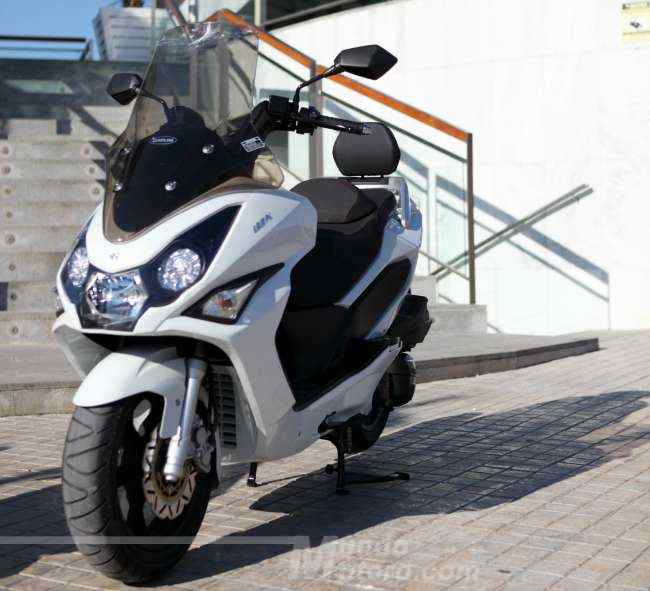 scooter Daelim S3 125
