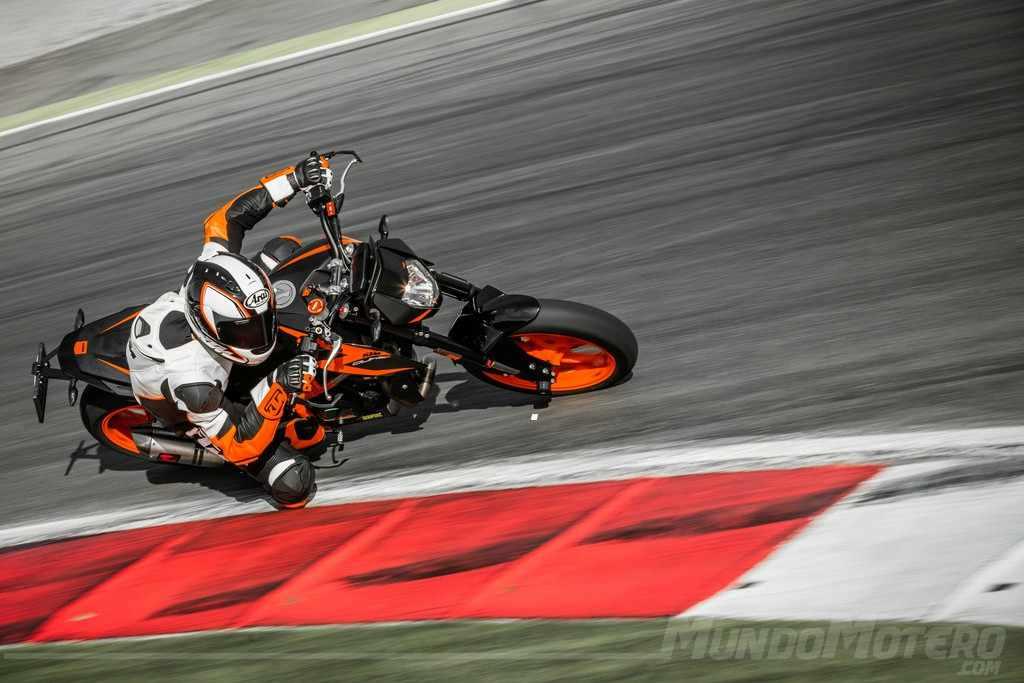 Novedades motos naked KTM 690 Duke