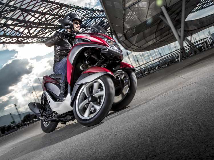 moto con 3 ruedas Yamaha Tricity 125