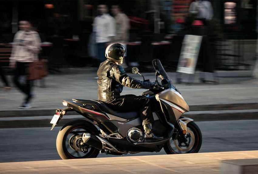 Honda Integra 750 prueba