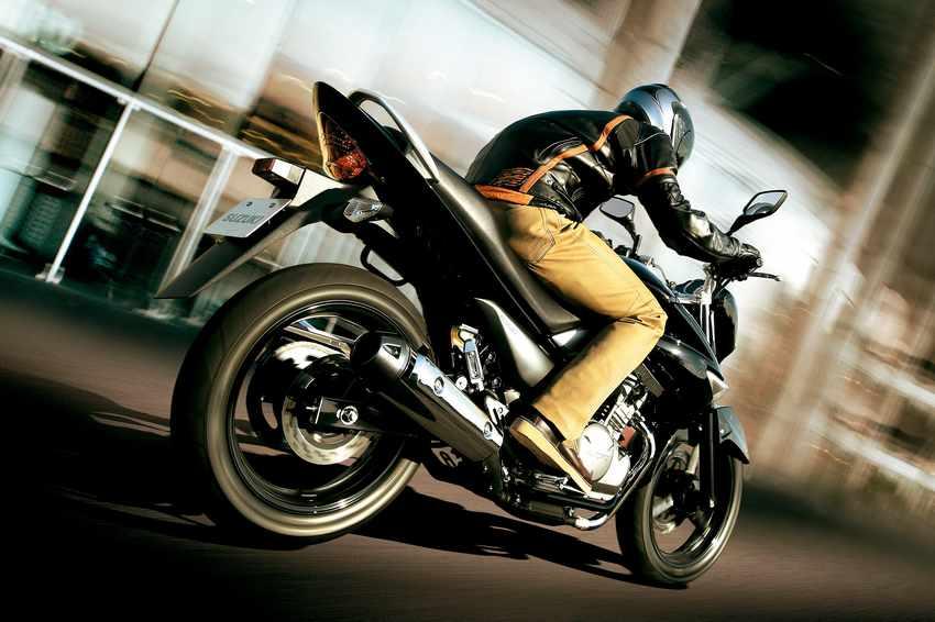 Suzuki Inazuma 250: cotidiana con pasión