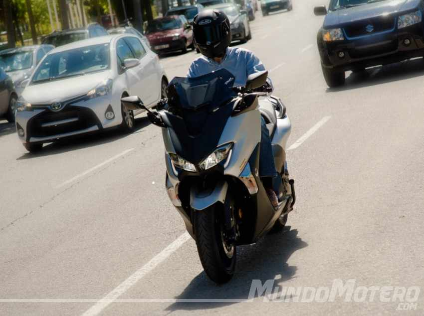 Prueba Yamaha TMAX SX