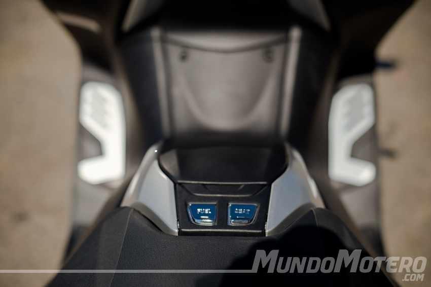 Prueba Yamaha TMAX 2017 SX