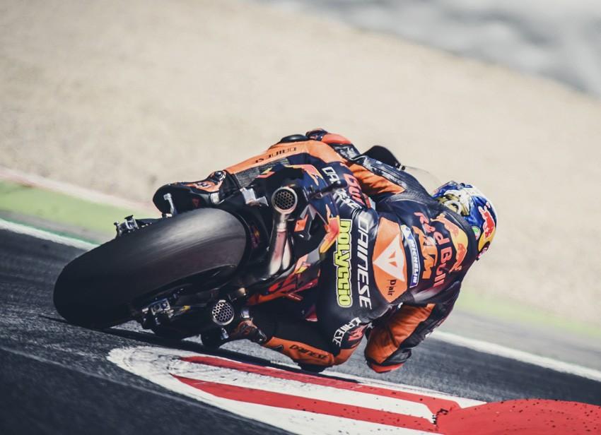 KTM ha trabajado con tres motos en este test. Mika Kallio ha completado el trabajo de Pol y Bradley Smith.