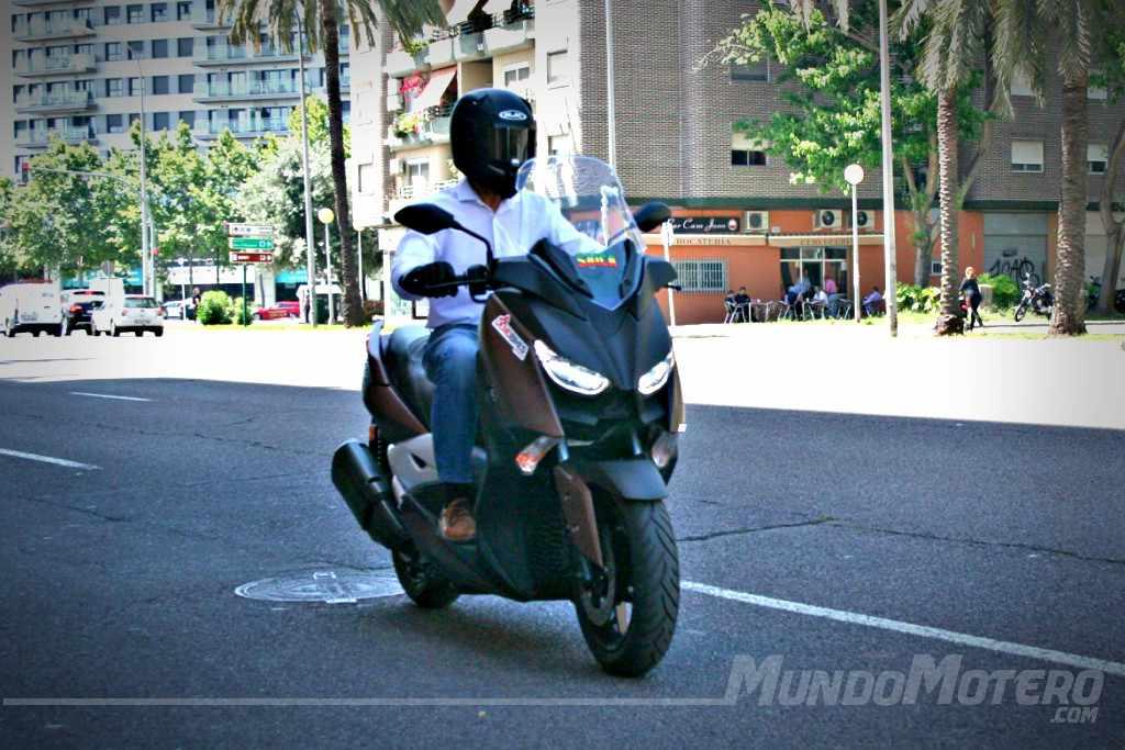 Prueba Yamaha X-Max 300