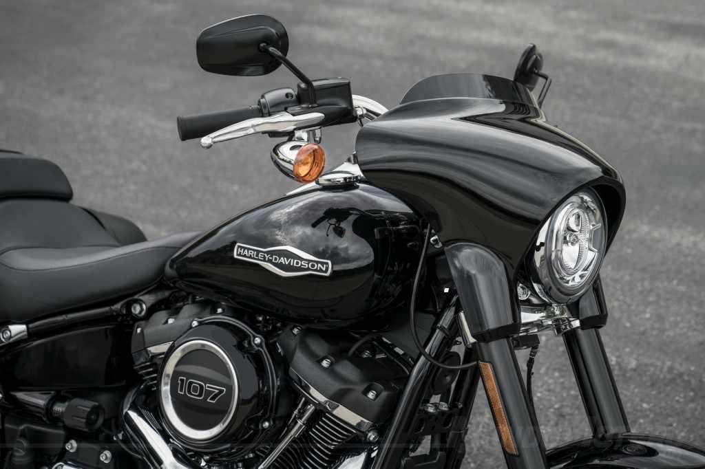 Novedades motos custom Harley-Davidson Sport Glide 2018
