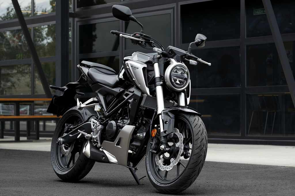 Novedades motos naked 125 - Honda CB125R 2018