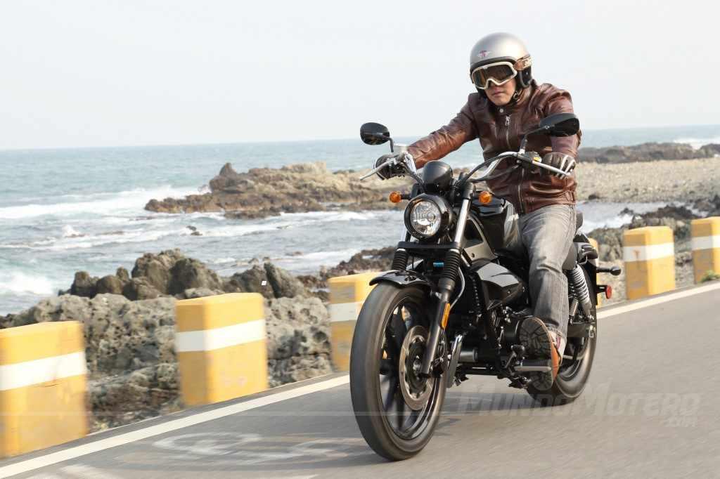 Novedades motos custom A2 Hyosung Aquila 250 DR