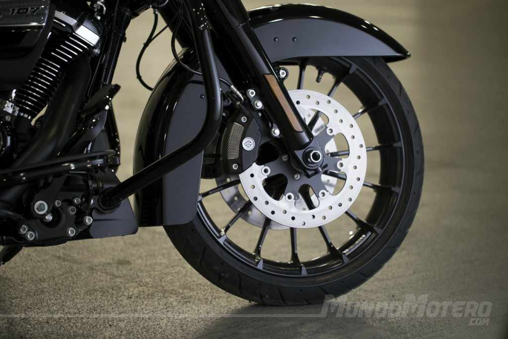 Novedades motos custom Harley-Davidson Road Glide Special 2018
