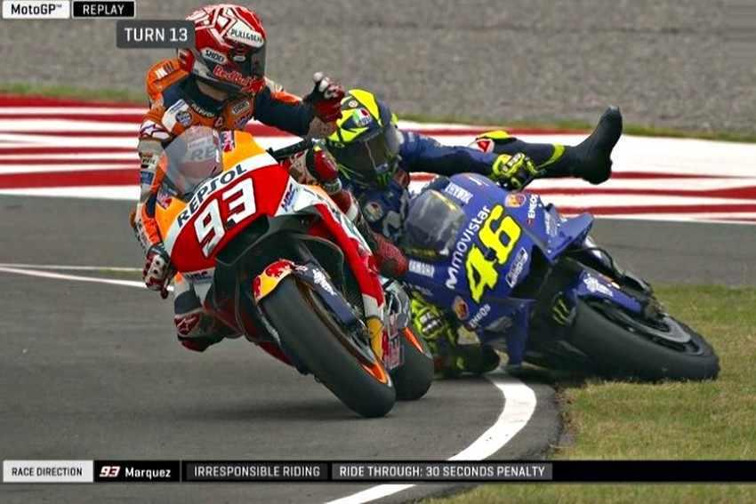 """Valentino Rossi: """"Marquez nunca tiene respeto por sus adversarios"""""""