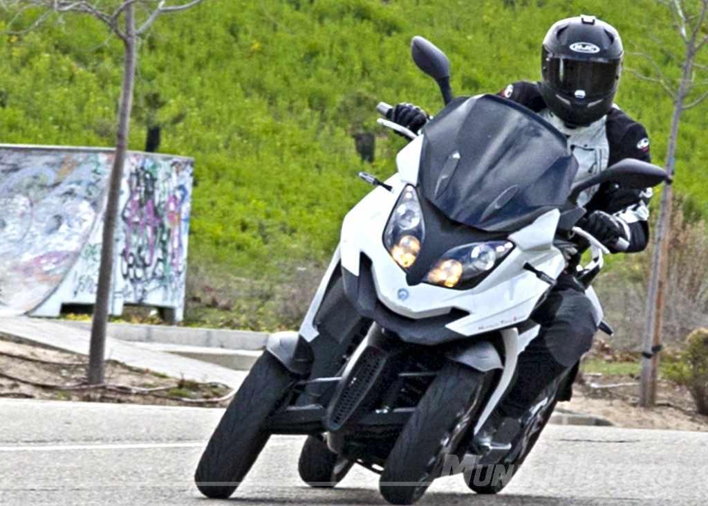 Prueba Quadro4 - scooter moto 4 ruedas