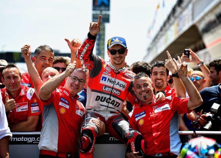 """Jorge Lorenzo: """"Ducati debe apechugar con las decisiones que tomamos todos"""""""