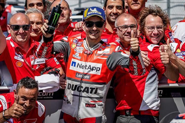"""Michele Pirro: """"La marcha de Lorenzo es una gran pérdida para Ducati"""""""
