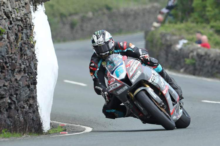Michael Dunlop - TT Isla Man 2018 Supersport