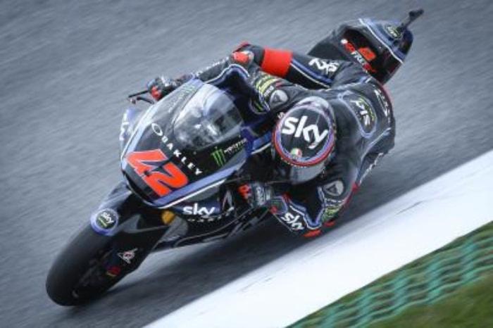 Bagnaia se lleva la pole de Moto2 en una sesión marcada por el caos