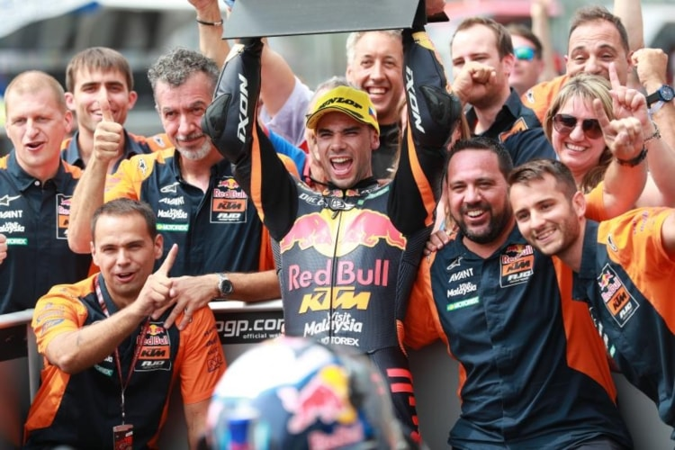 Miguel Oliveira nuevo líder de Moto2