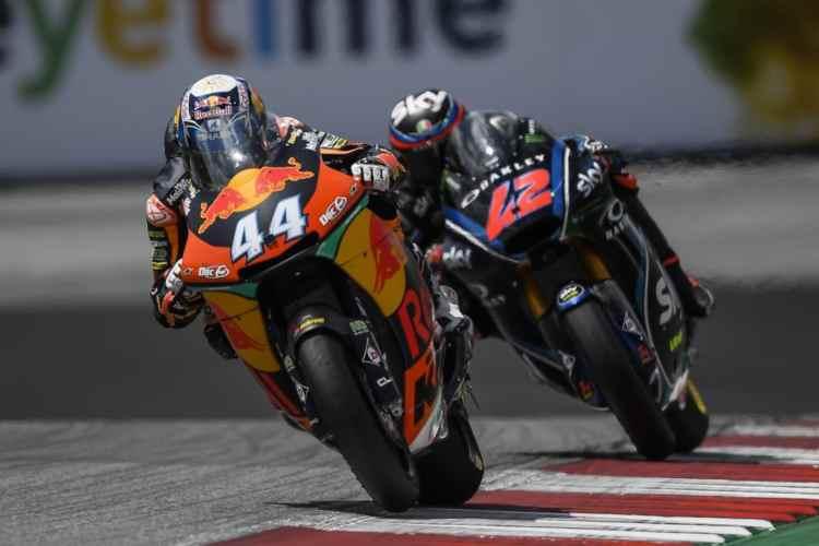 La lucha en Moto2 entre Bagnaia y Oliveira