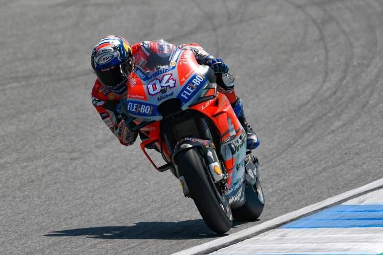 Andrea Dovizioso lidera el primer día de MotoGP en Tailandia