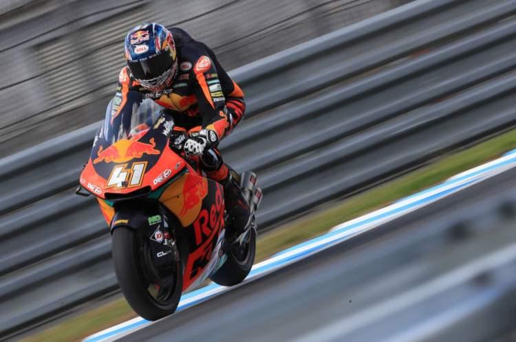 Brad Binder comanda los primeros entrenamientos de Moto2 en Australia