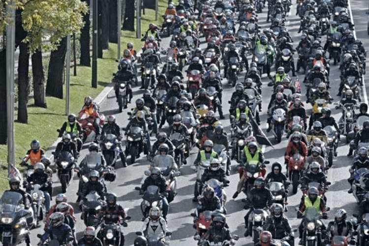 Manifestaciones moteras en Madrid y Barcelona en favor de la moto