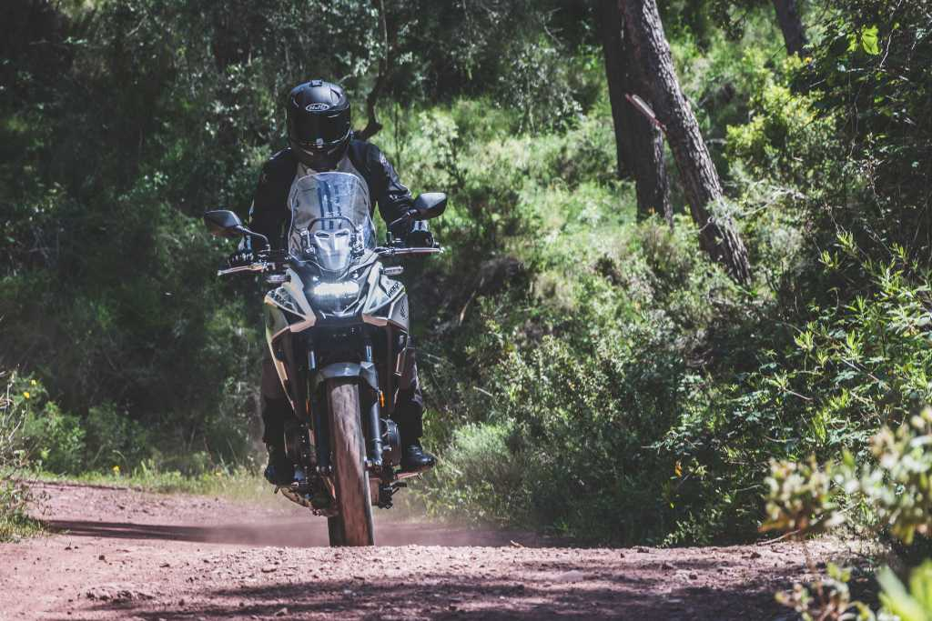 Honda CB500X off-road / velocidad crucero