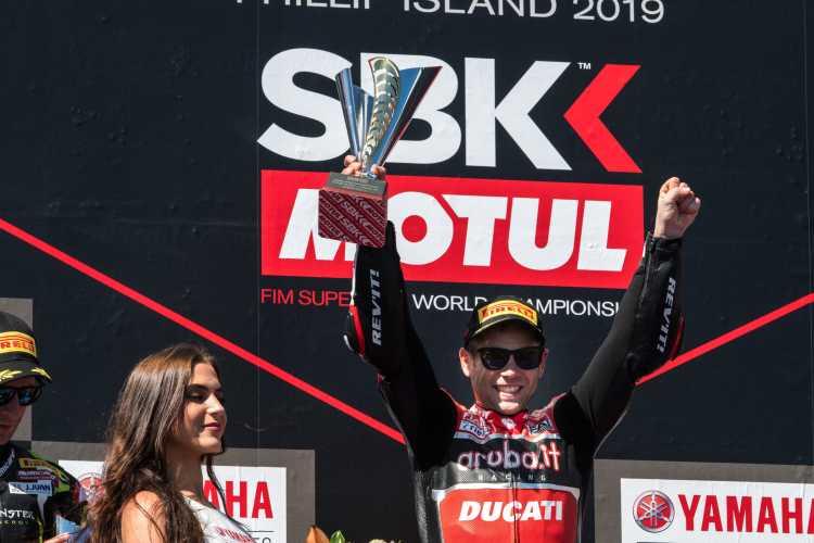 Alvaro Bautista se lleva el triplete de victorias en Phillip Island