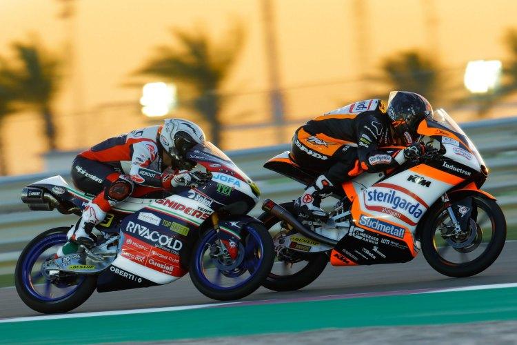 Romano Fenati y Arón Canet durante el pasado Gran Premio de Qatar