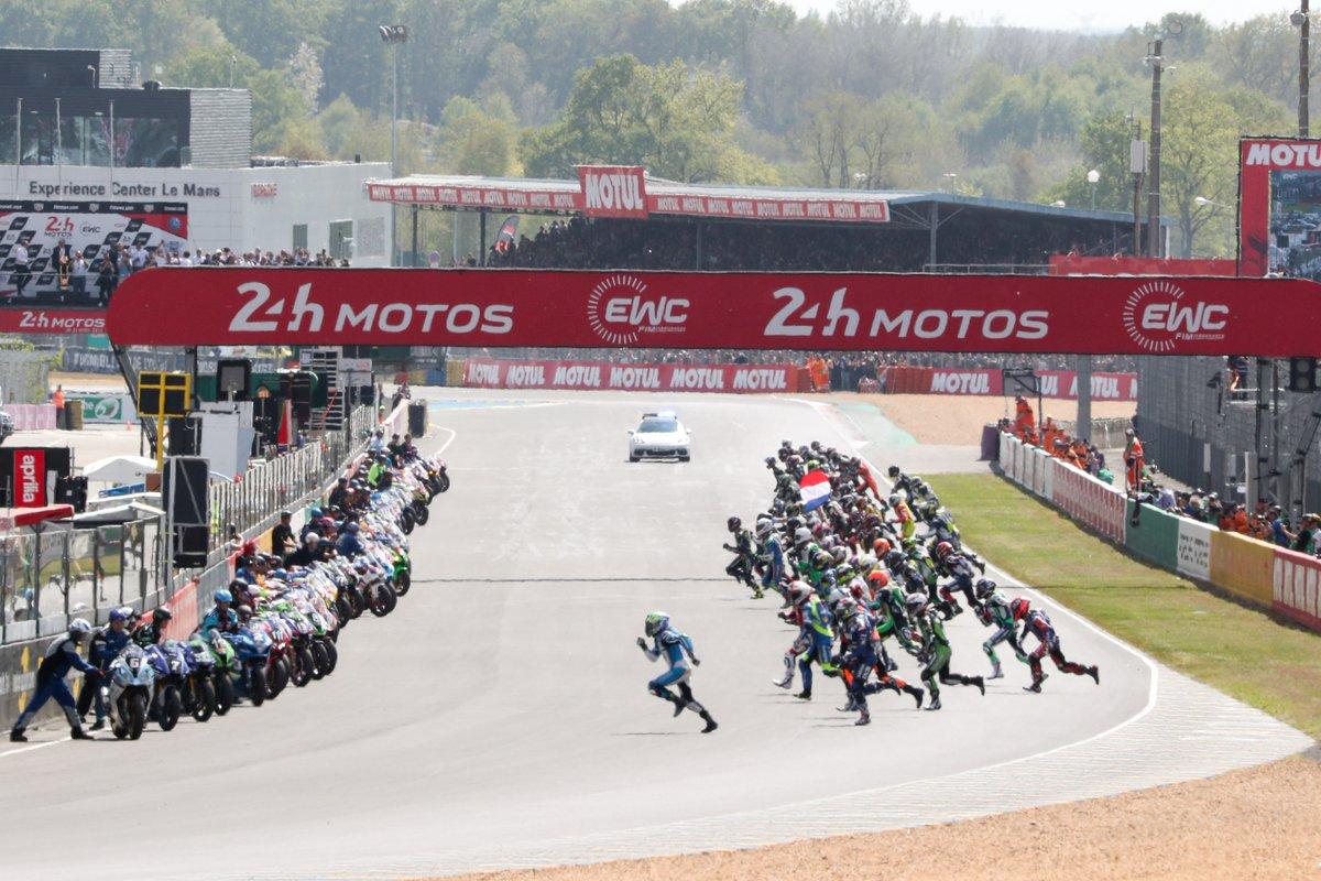 Salida de las 24 horas de Le Mans en su 42ª edición