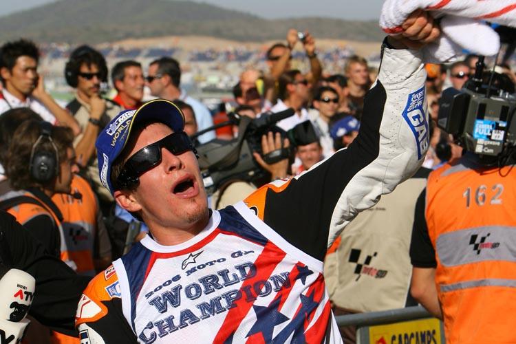 Nicky Hayden durante la celebración de su título de MotoGP en el Circuito Ricardo Tormo.