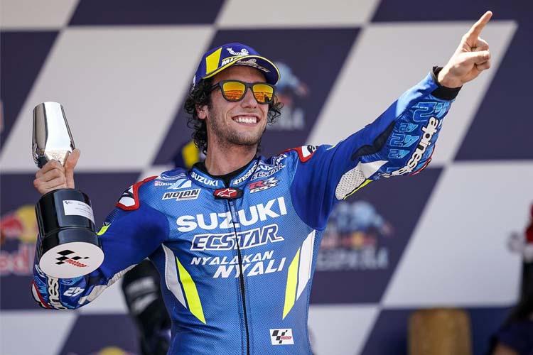 Álex Rins está segundo en la clasificación de MotoGP tras subir al podio en Jerez.