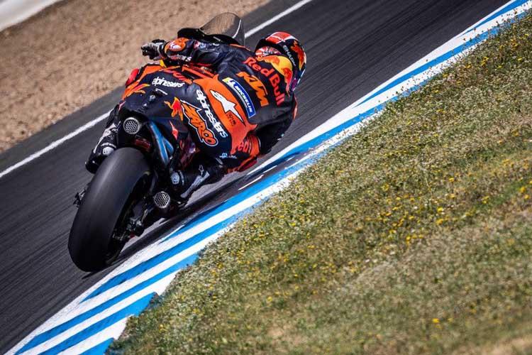 Johann Zarco acumula cuatro Grandes Premios con KTM. No ha pasado de la decimotercera posición