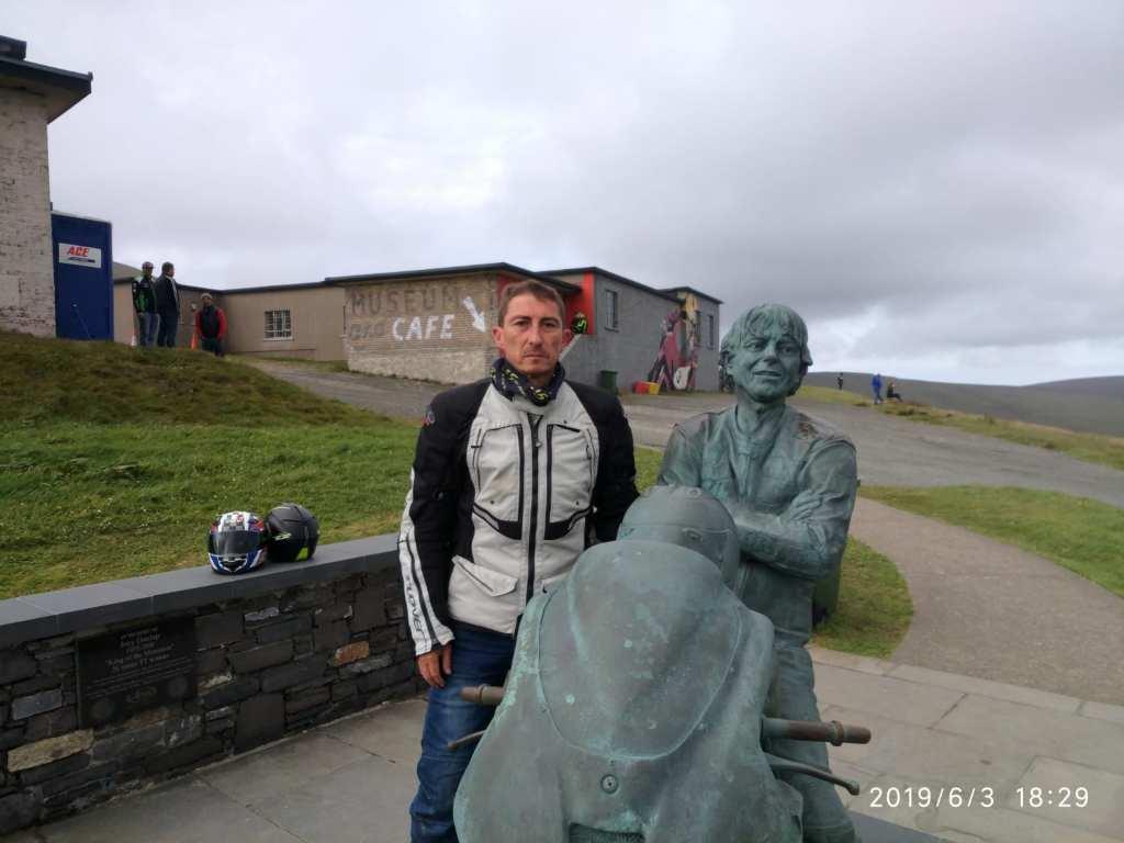 Viaje TT Isla de Man - Estatua de Joy Dunlop