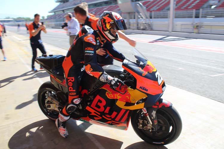 Una de las imágenes de este test, Dani Pedrosa a los lomos de la KTM RC16.