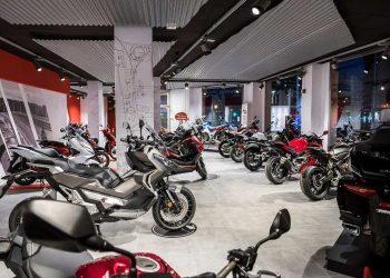 El concesionario Moto Valencia abre sus nuevas y espectaculares instalaciones
