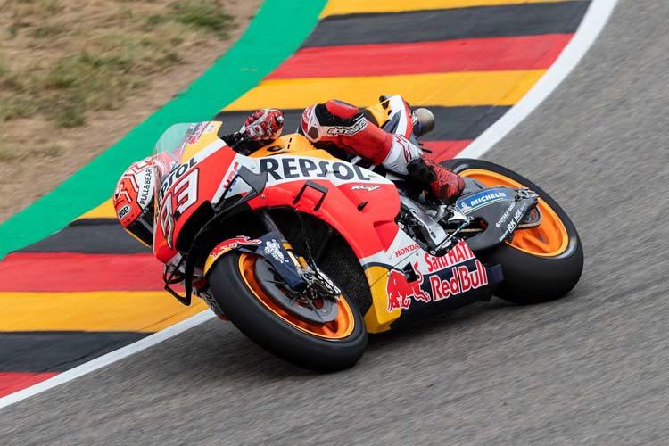 Marc Márquez ha vuelto a ganar en Sachsenring y lo ha vuelto hacer sin oposición. ¡Ya suma diez triunfos consecutivos!