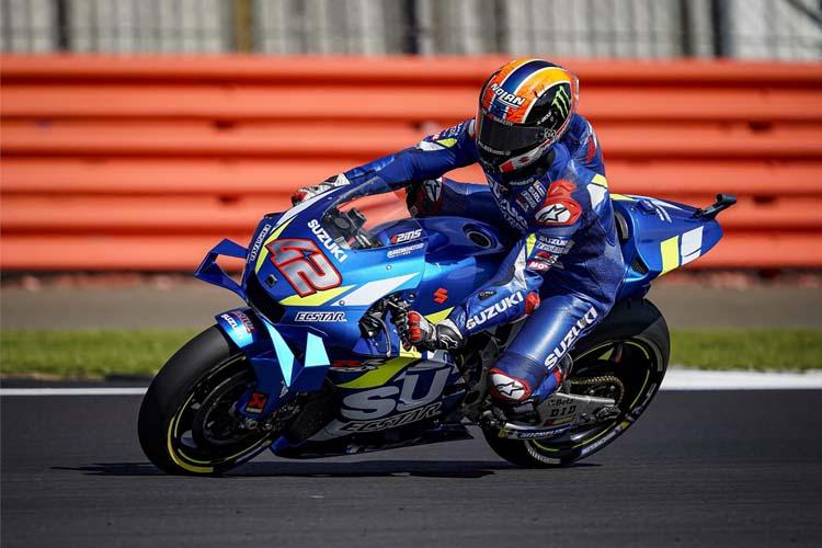 Álex Rins ha logrado su segunda victorira en MotoGP tras superar a Marc Márque por sólo 13 milésimas.