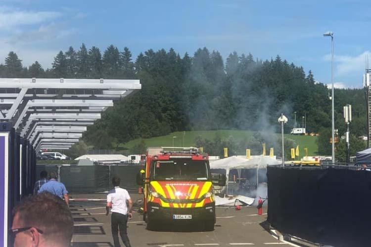 La Copa del Mundo de MotoE arrancaba su fin de semana en Austria con un nuevo percance, la explosión de la moto del líder Niki Tuuli - © Mat oxley