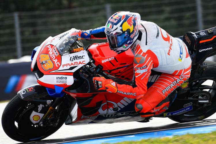 Jack Miller ha seguido la misma estrategia que Márquez para terminar en segunda posición pese a tener una caída. - © MotoGP