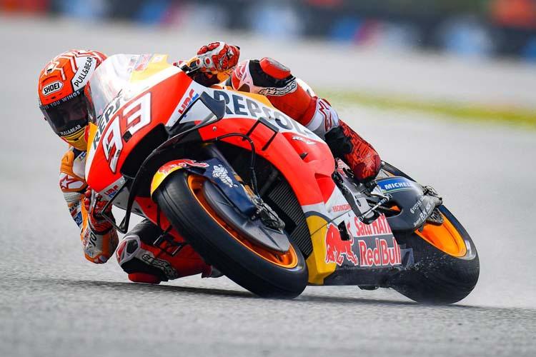 Marc Márquez apuesta por el riesgo y los slicks para lograr la pole en Brno
