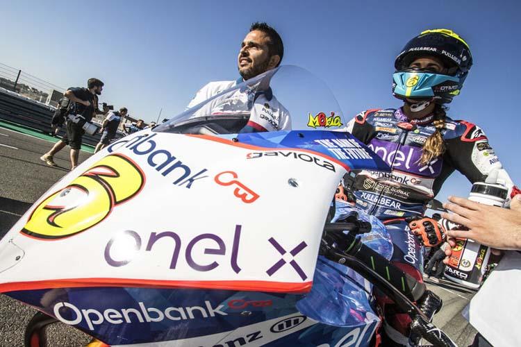 María Herrera sober su Energica durante el test oficial de MotoE en el Circuito de Valencia.