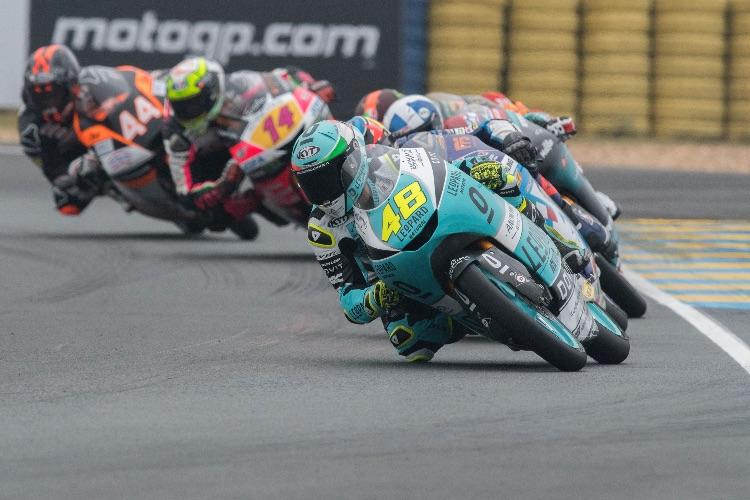 Canet y Arbolino aparecen a la cola de un grupo liderado por Dalla Porta durante el GP de Francia